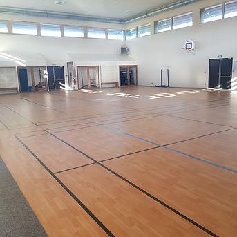 Gymnase Pezou 1.jpg
