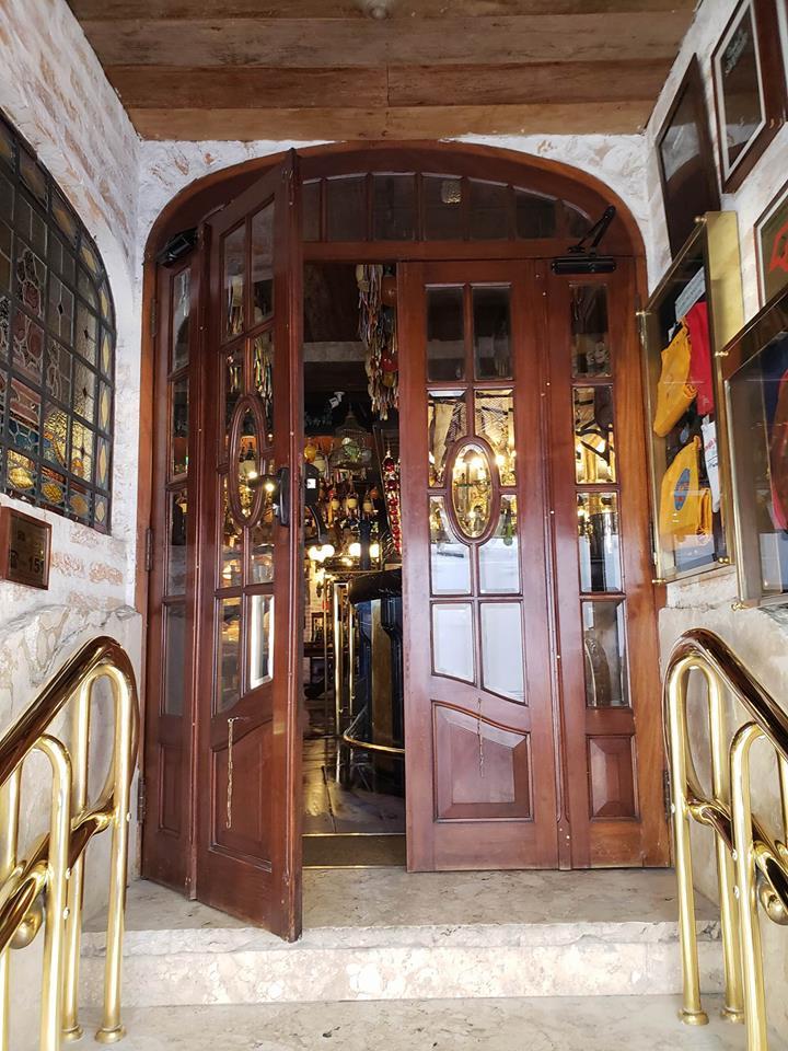 Porta Entrada F. Mancini