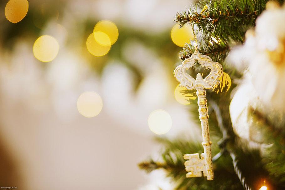 Key hanging on a Christmas tree.jpg