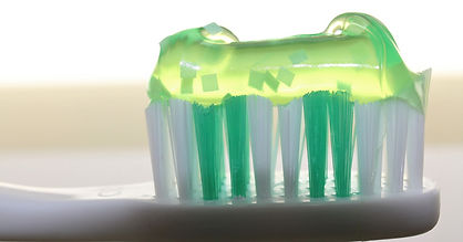 toothbrush-2789792_1920_edited.jpg