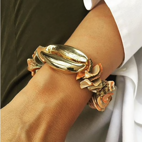 SEA STONES AND GOLD SHELL BRACELET