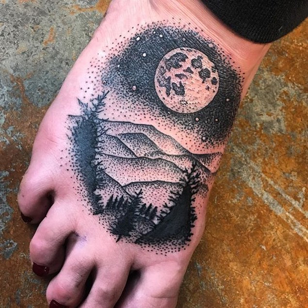Moon & mountains