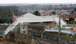 VINCI - Yerres - Passerrelle publique au dessus voie SNCF