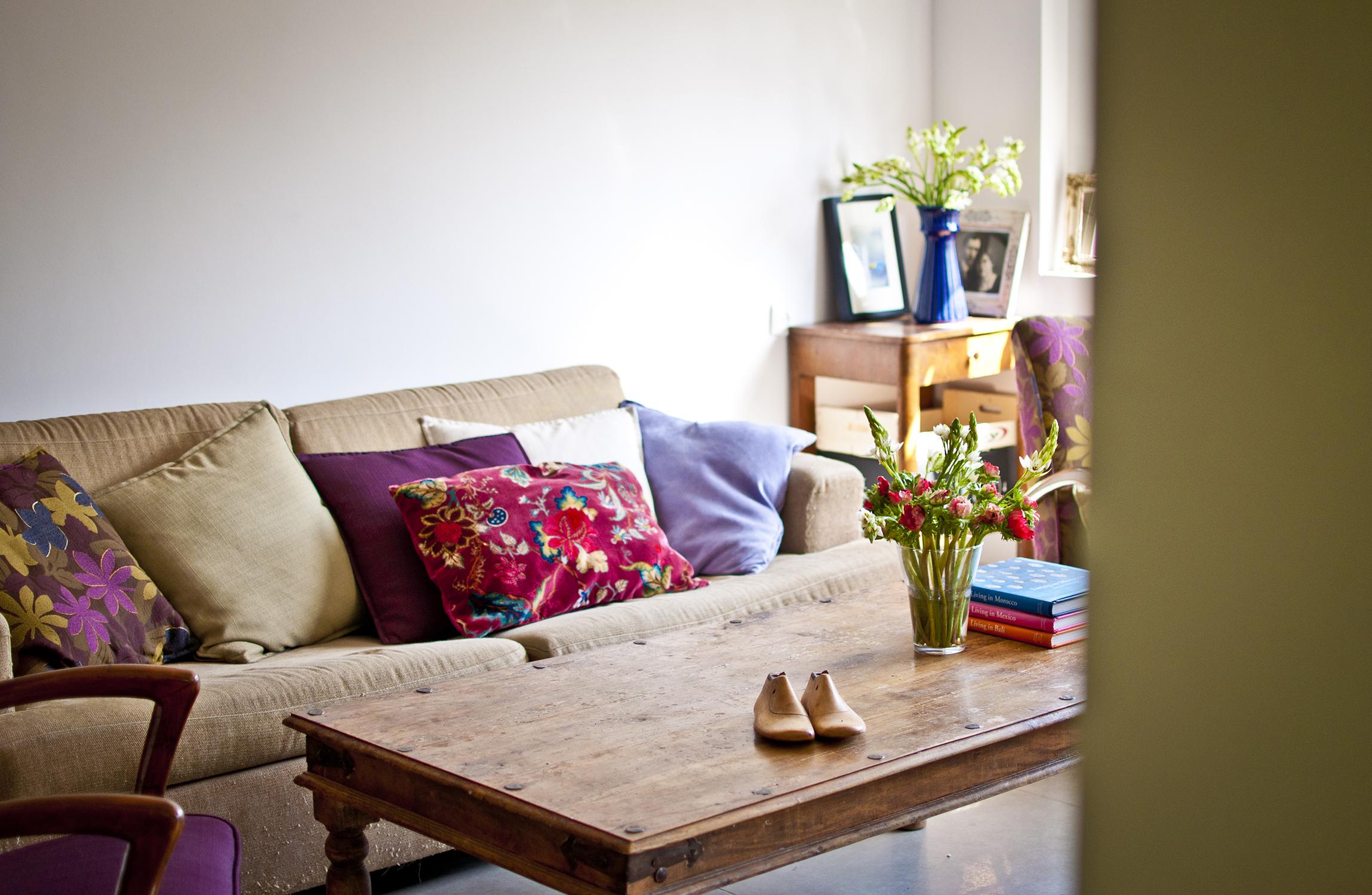 הסלון מבט מהמטבח