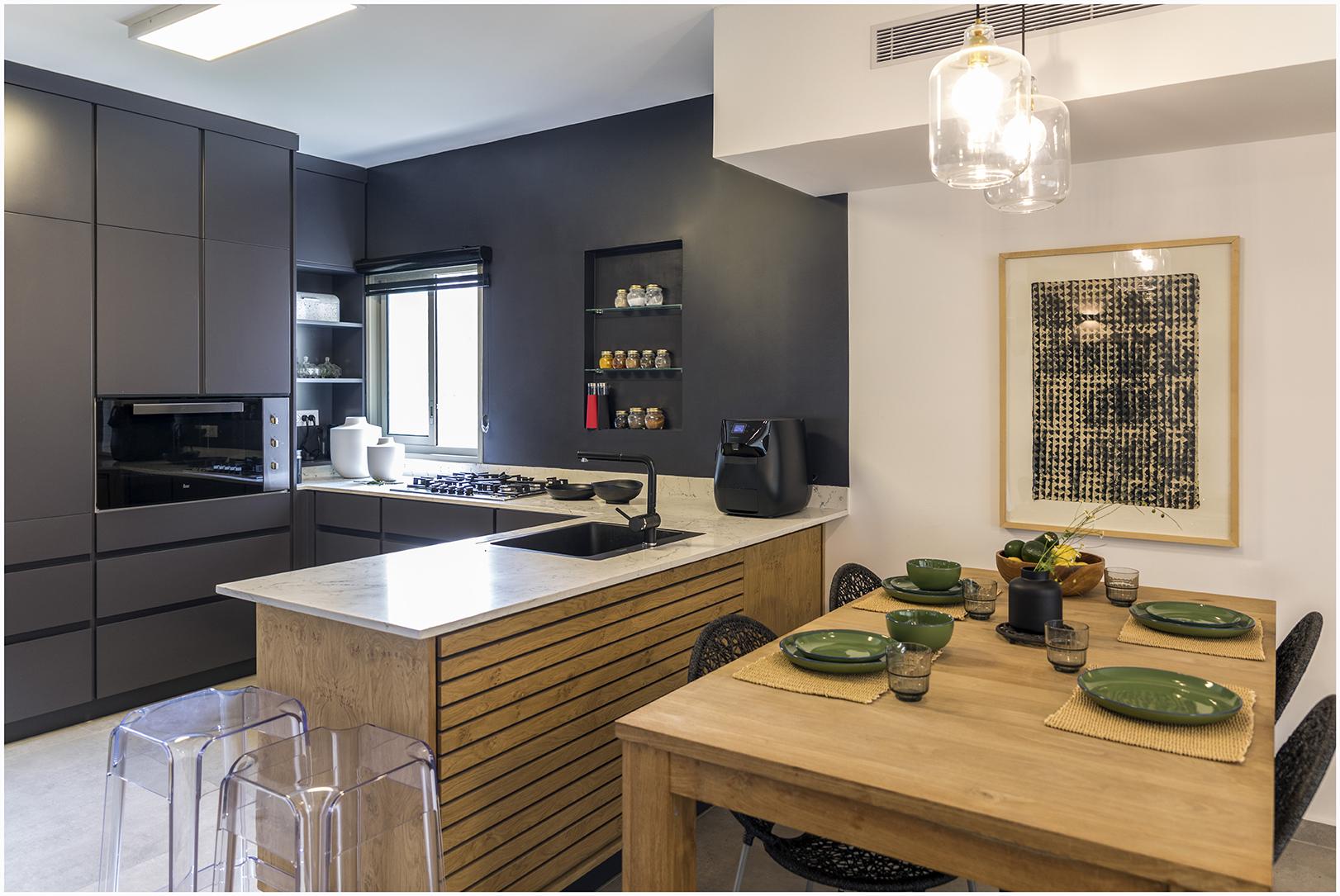דירה בצפון תל אביב - מבט למטבח