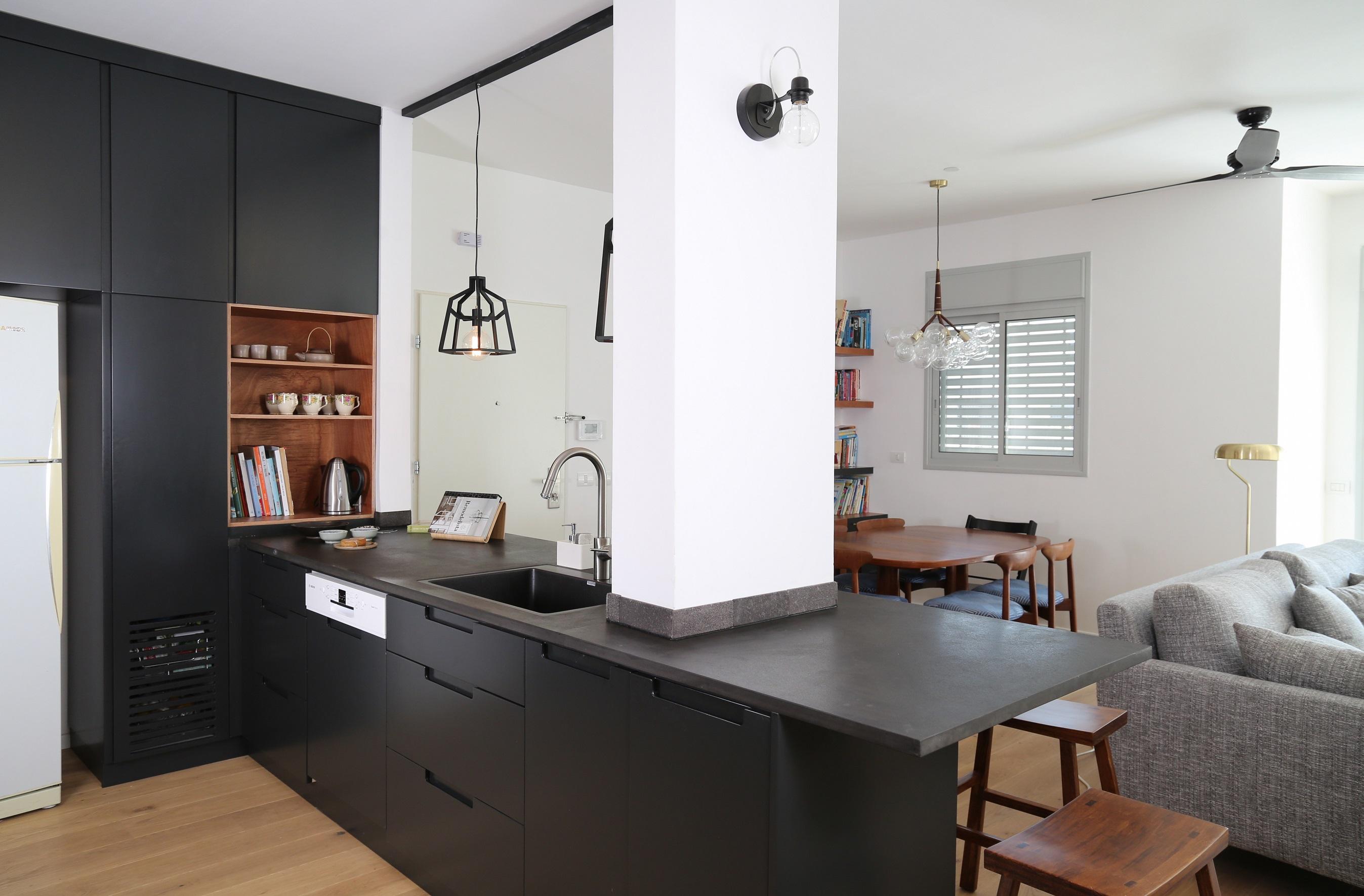 מבט אל המטבח 2