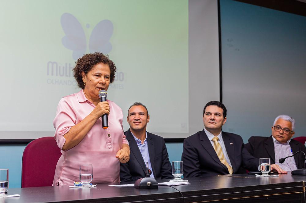 Regina Sousa, governadora em exercício no lançamento do Mulheres de Visão