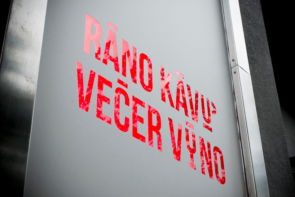 rano_kavu_vecer_vino_0009_ed.jpg