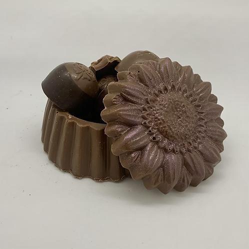 Coffre fleur chocolat au lait avec chocolats variés