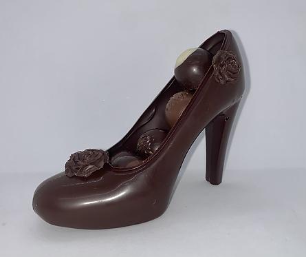 Chaussure chocolat noir avec chocolats variés