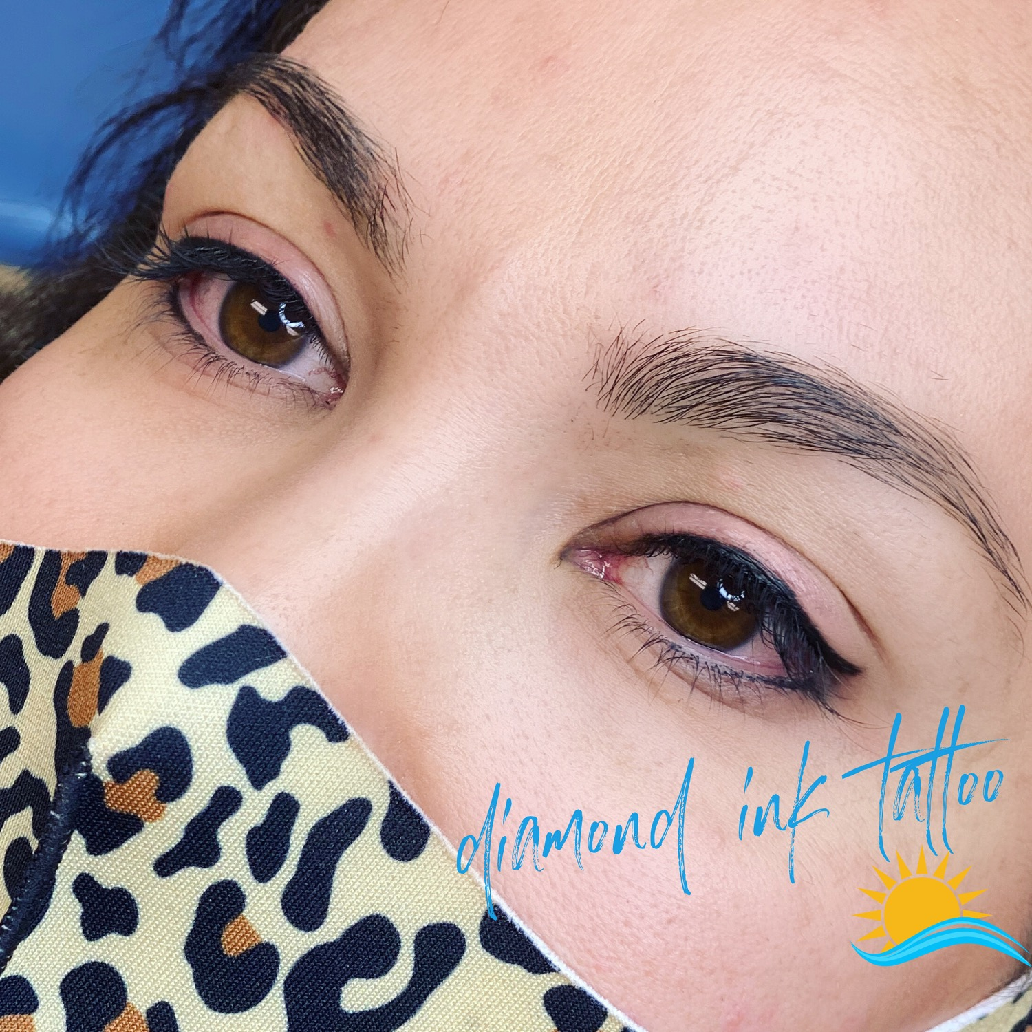 Eyeliner with flare