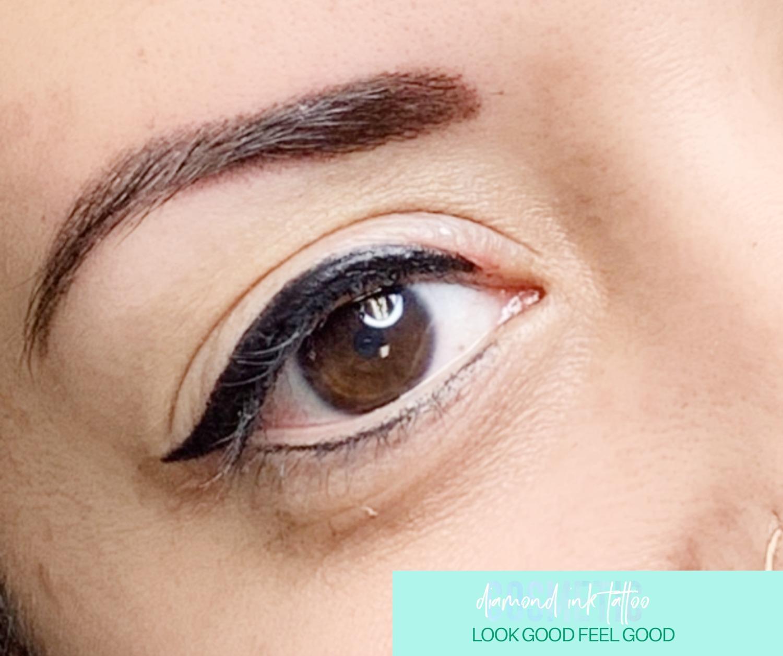 Dramatic Winged Eyeliner