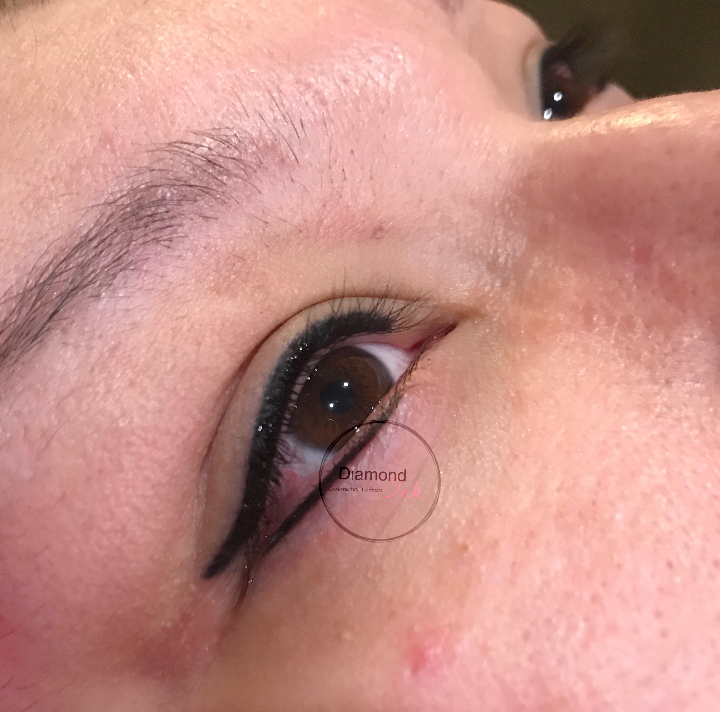 Liner with a flick