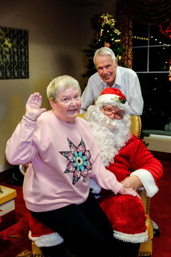 2017  Raleigh Hills Care home hoiliday  Party-27