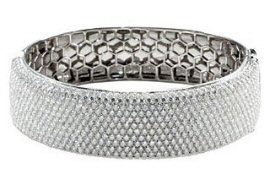 18kt. W.G. 15.25 ct Diamond Bangle Bracelet