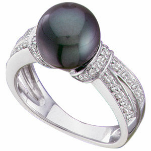 14 Kt. W.G. Diamond and Black Pearl Ring