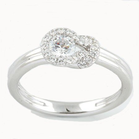 14kt. W.G. Knot Diamond Ring