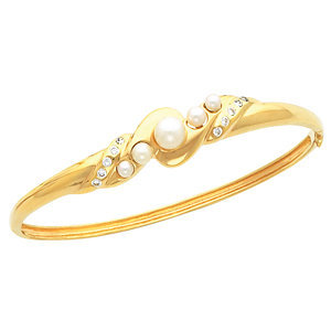 14kt. Y.G. Pearl And Diamond Bangle Bracelet