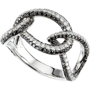14 Kt. W.G Black And White   Diamonds Ring