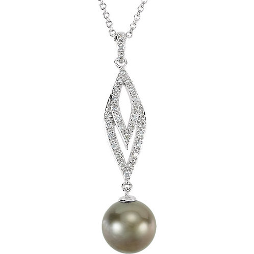 14kt. W.G. Diamond And Pearl Necklace