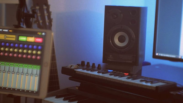 desk_mix.JPG