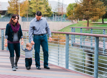 Austin Family Portraits | The Uribe Family | Butler Park Session