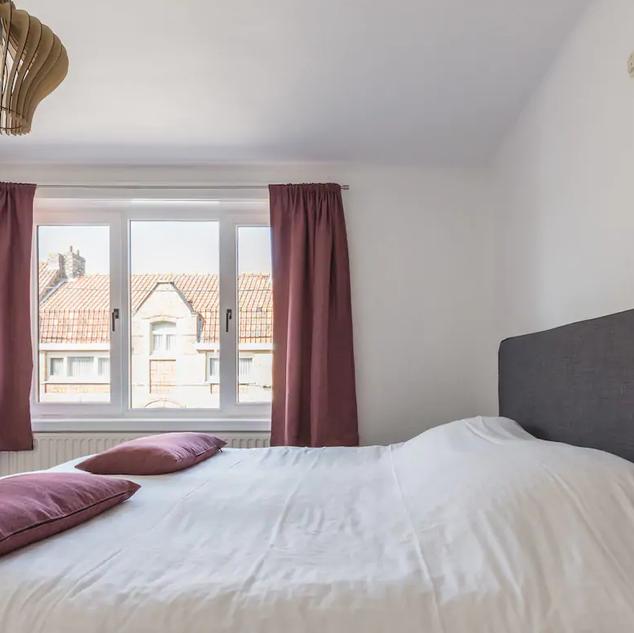 vakantiewoning master bedroom.png