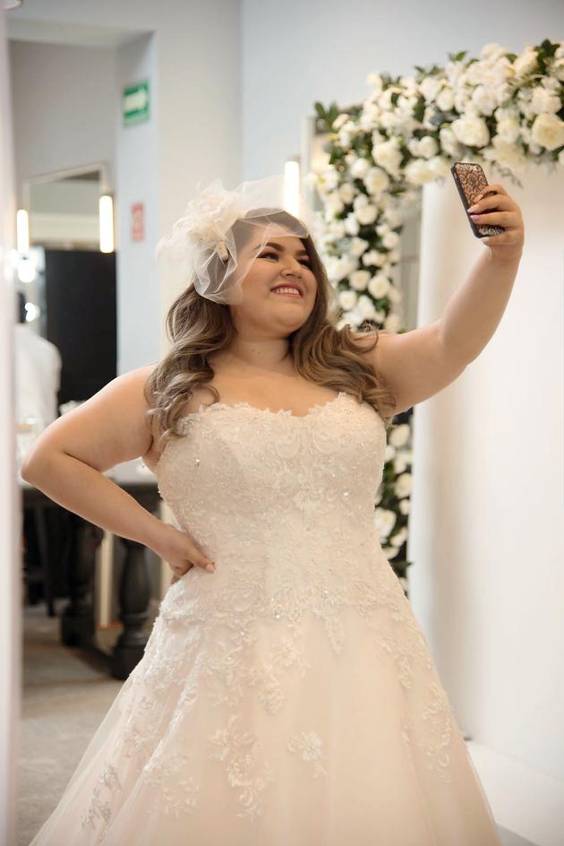 Resultado de imagen de novia curvy divertida