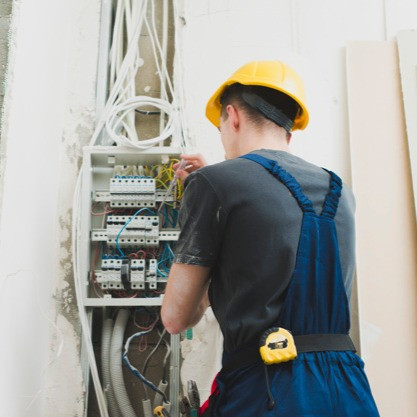 young-man-working-with-wires-switcher_23