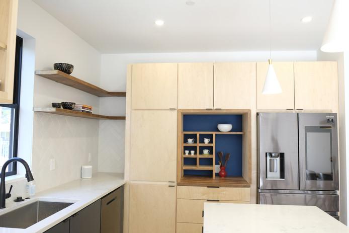 Unit A Kitchen5