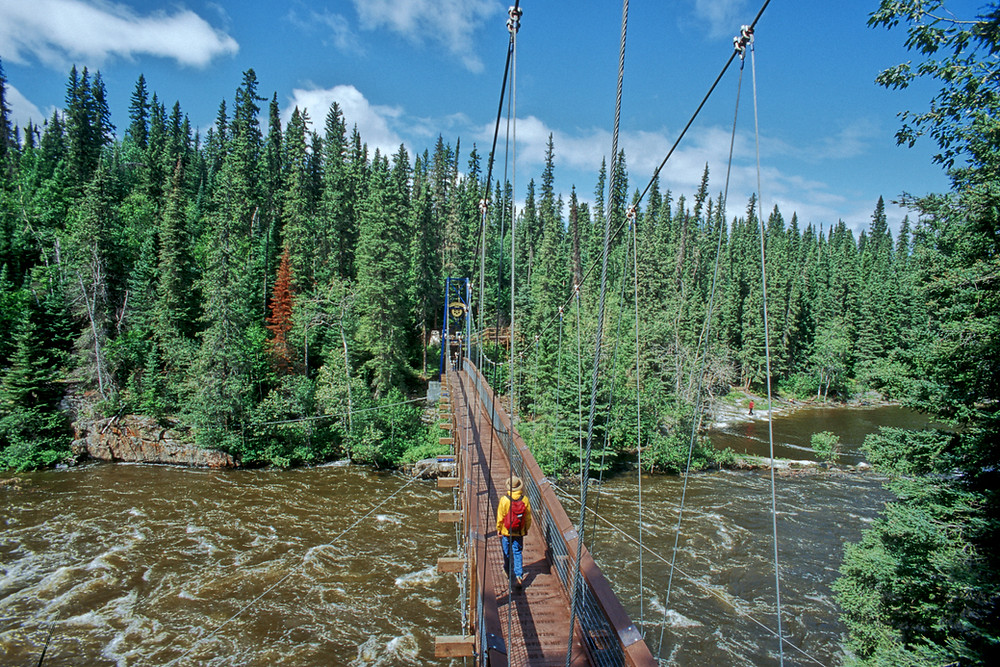Pisew Falls Provincial Park Provinzpark Hängebrücke Wasserfall waterfall suspension bridge hiking Wandern Wanderung Wanderer Manitoba