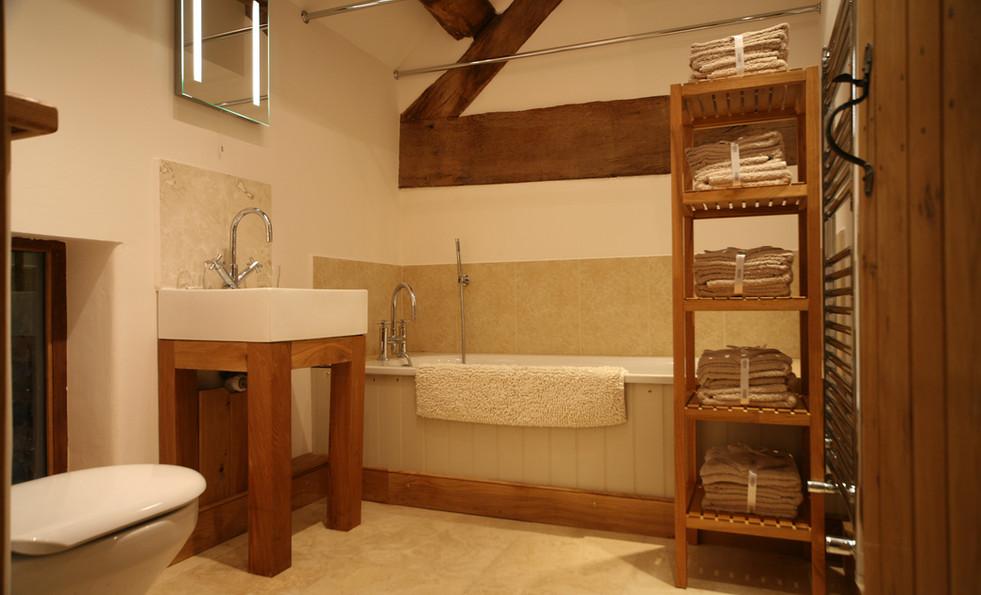 GHB. 1st floor bath 1.jpg