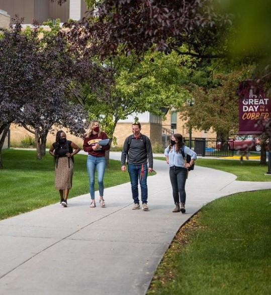 Concordia students walking.jpg
