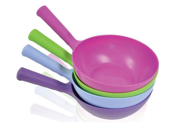 Harold Moore Plastic Round Feed Scoop