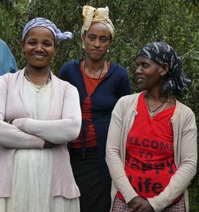 Farmer women.JPG