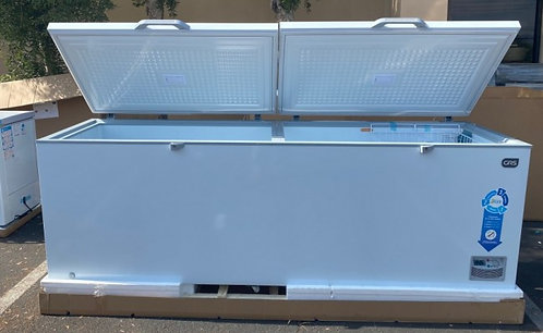 33 CU FOOT HUGE  CHEST FREEZER -