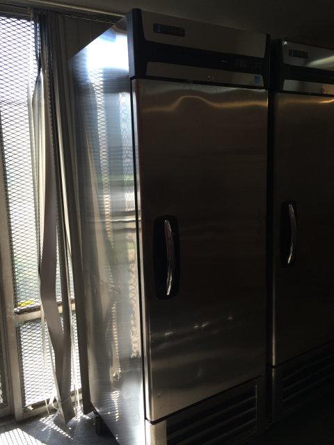 Master Bilt 1 door upright refrigerator