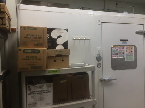 Combo walk in cooler and freezers - good condition