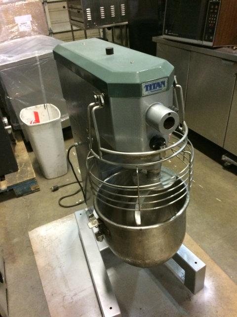 30 Quart Titan Dough Mixer