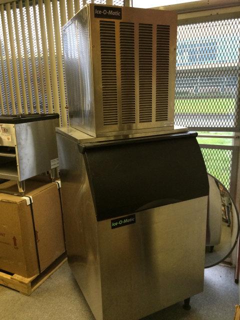 ICEOMATIC 700 LB NUGGET ICE MACHINE - MAKES PEARL ICE