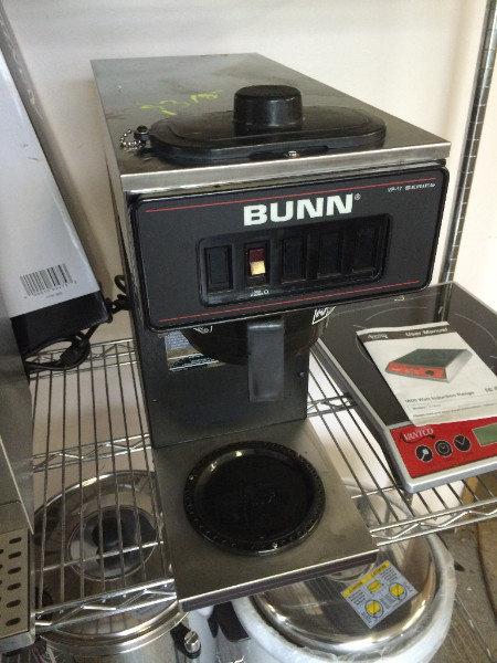 BUNN POUR OVER COFFEE MACHINE - LIKE NEW