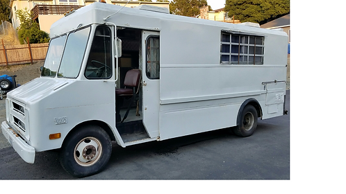 Concession truck with vent hood