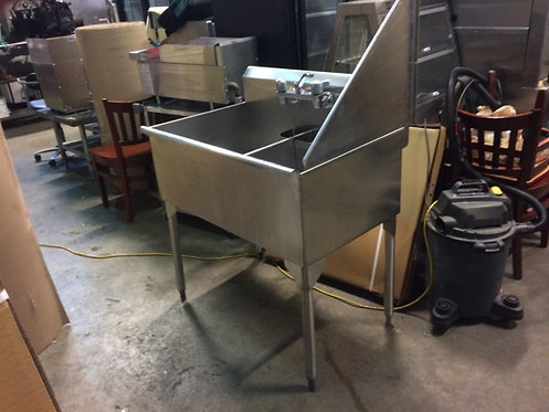 2 COMPARTMENT STAINLESS STEEL SINK WITH TAPS