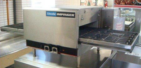 Lincoln #1301 Electric  Conveyor Pizza Oven