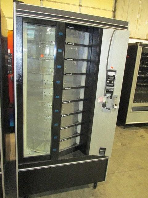 COLD FOOD VENDING MACHINE