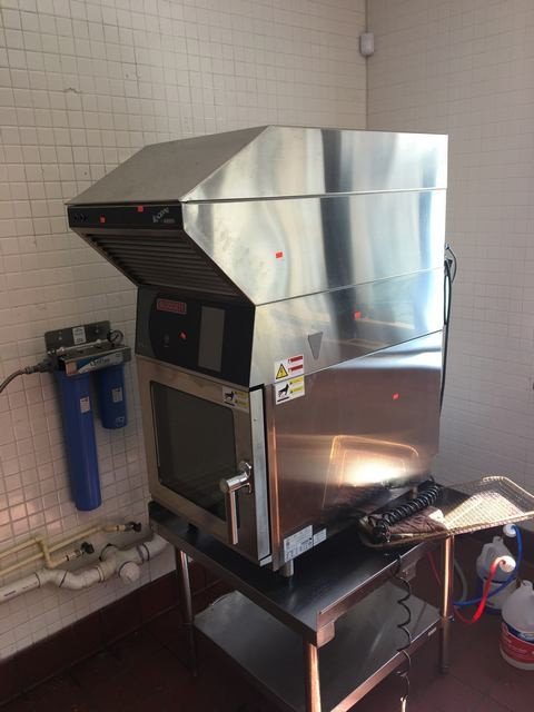 Ventless combi oven with vent hood - Blodgett - RARE ITEM - NO VENT NEEDED -