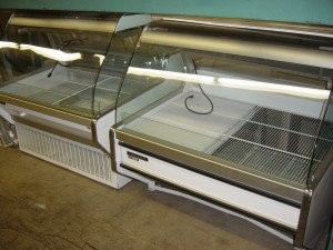 GENERAL 4' CURVED MEAT CASES