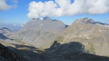 Vue de la Pointe de la Sana 3436 m.