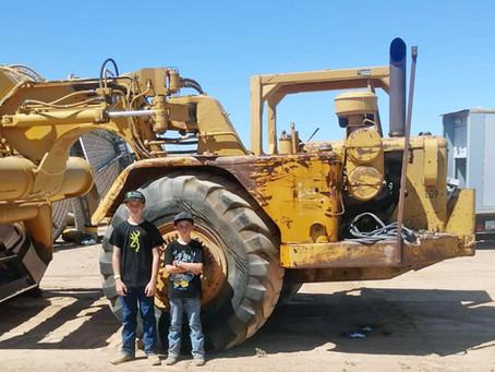 Old School Equipment: Caterpillar's J621 Paddle Wheel Scraper