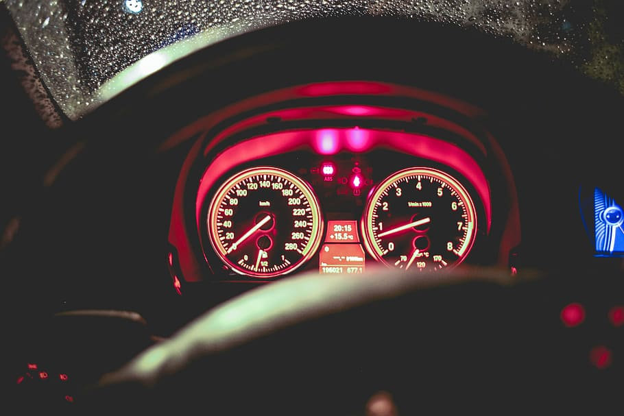 benzine-car-gasoline-night.jpg